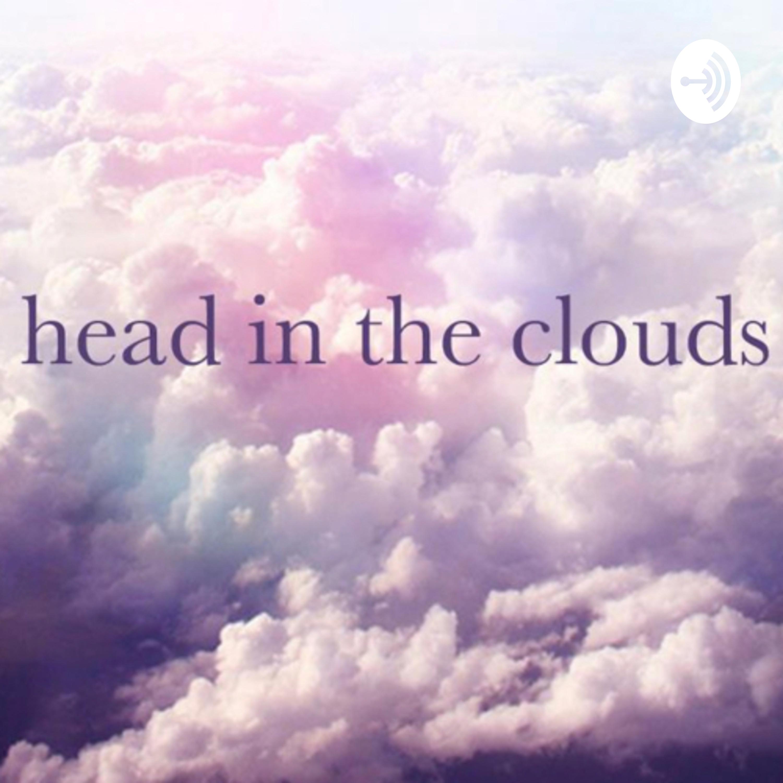 La cabeza por las nubes.