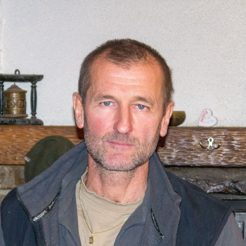 O chate M. R. Štefánika pod Ďumbierom s Igorom Fabriciusom