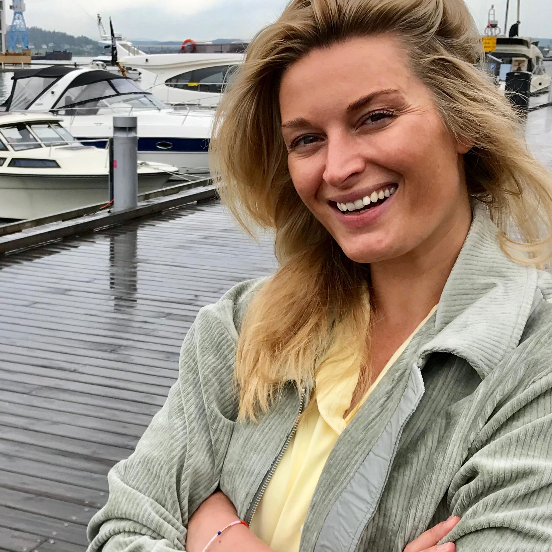 #41 SOMMERLYD Lise Karlsnes' nye karriere - nå kan hun bli terapeuten din