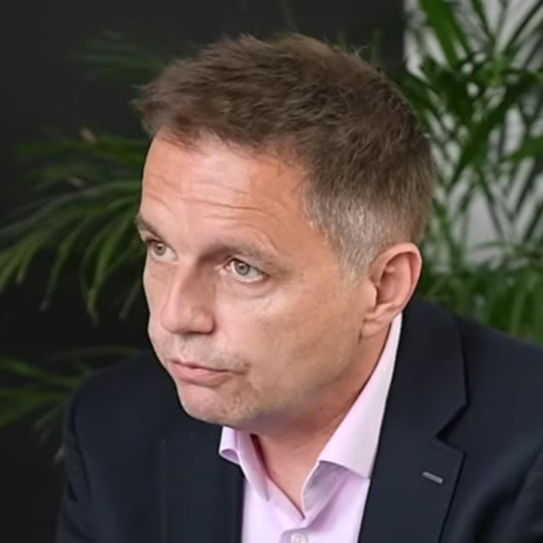 Guvernér NBS Kažimír: Slováci sú zadĺžení 3-krát viac, ako je priemer Európskej únie. Vrátil by slovenskú korunu?