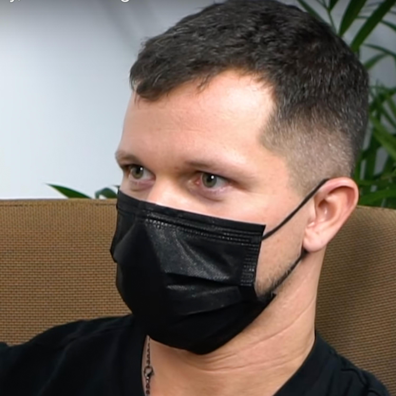 [Hacker Zdravia] Joga bola tajné učenie výlučne pre mužov. Na sviečky, relax či vegetariánstvo zabudni