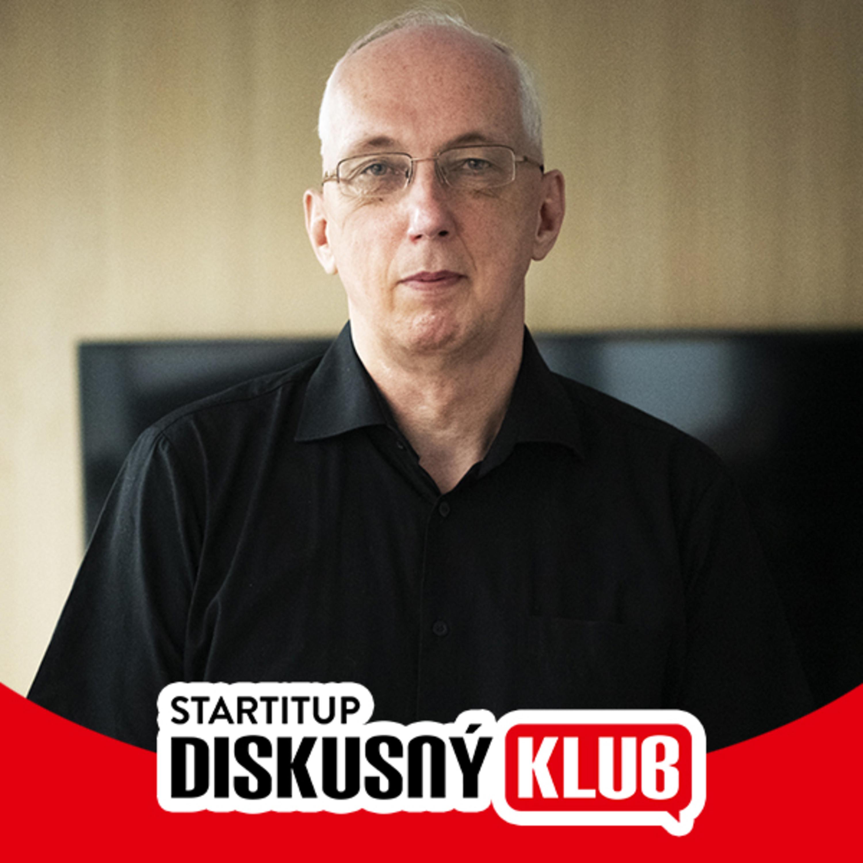 [Diskusný Klub] Matematik Kubáček: Jeho views mu môže závidieť nie jeden youtuber. Na online prednášky ho museli ukecávať