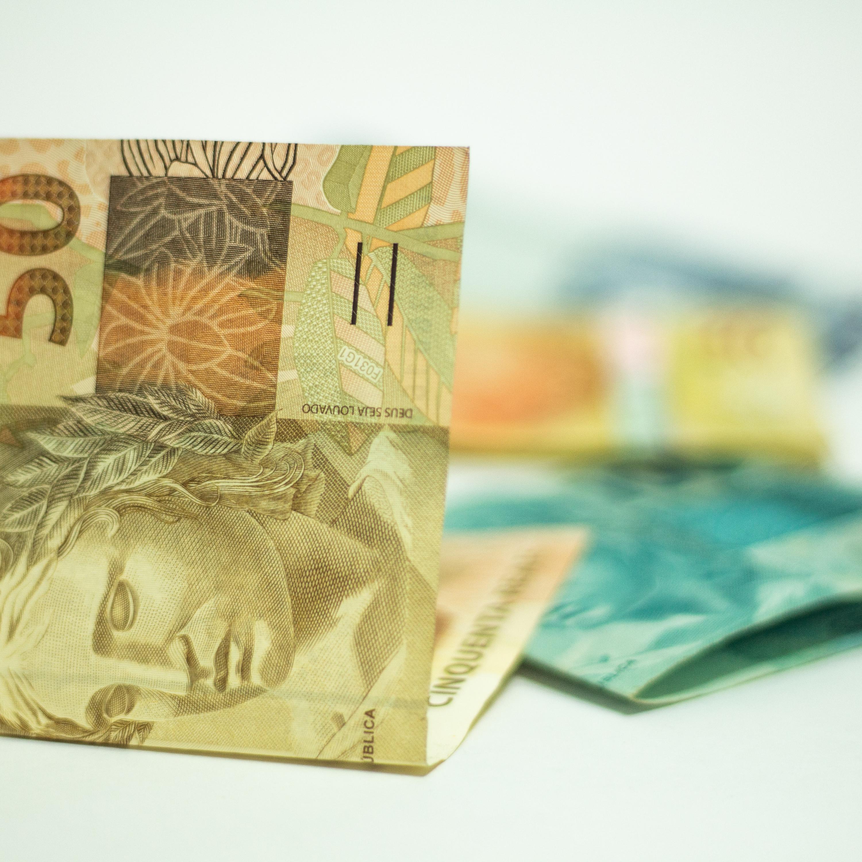 Bolsa de Valores operando nesta quinta-feira (24) em alta de 0,52%