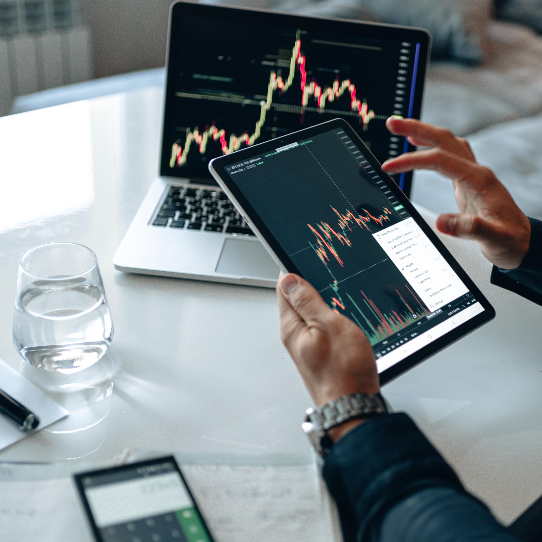 Bolsa de Valores operando em queda de 0,46% nesta terça-feira (13)