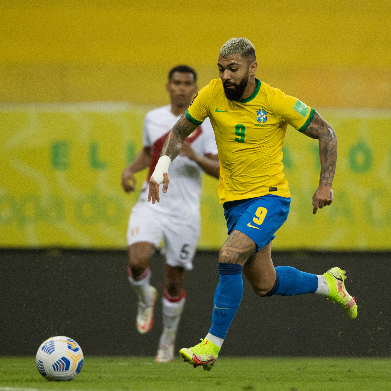 Brasil vence o Peru; início da Copa ES, com público; e jogos do Brasileirão
