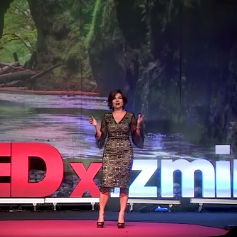Sözcüklerinizi Değiştirin, Dünyanız Değişsin   Sedef Kabaş   TEDxIzmir