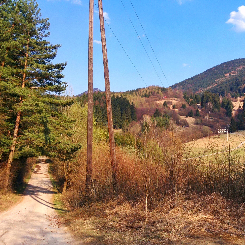 Cesta ku chatám vo Varíne