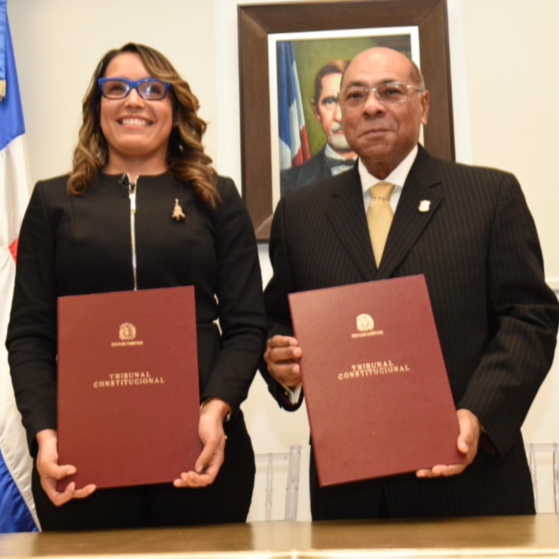 Tribunal Constitucional y Fundación Francina firman acuerdo para promover versión audiolibro de la Constitución dominicana