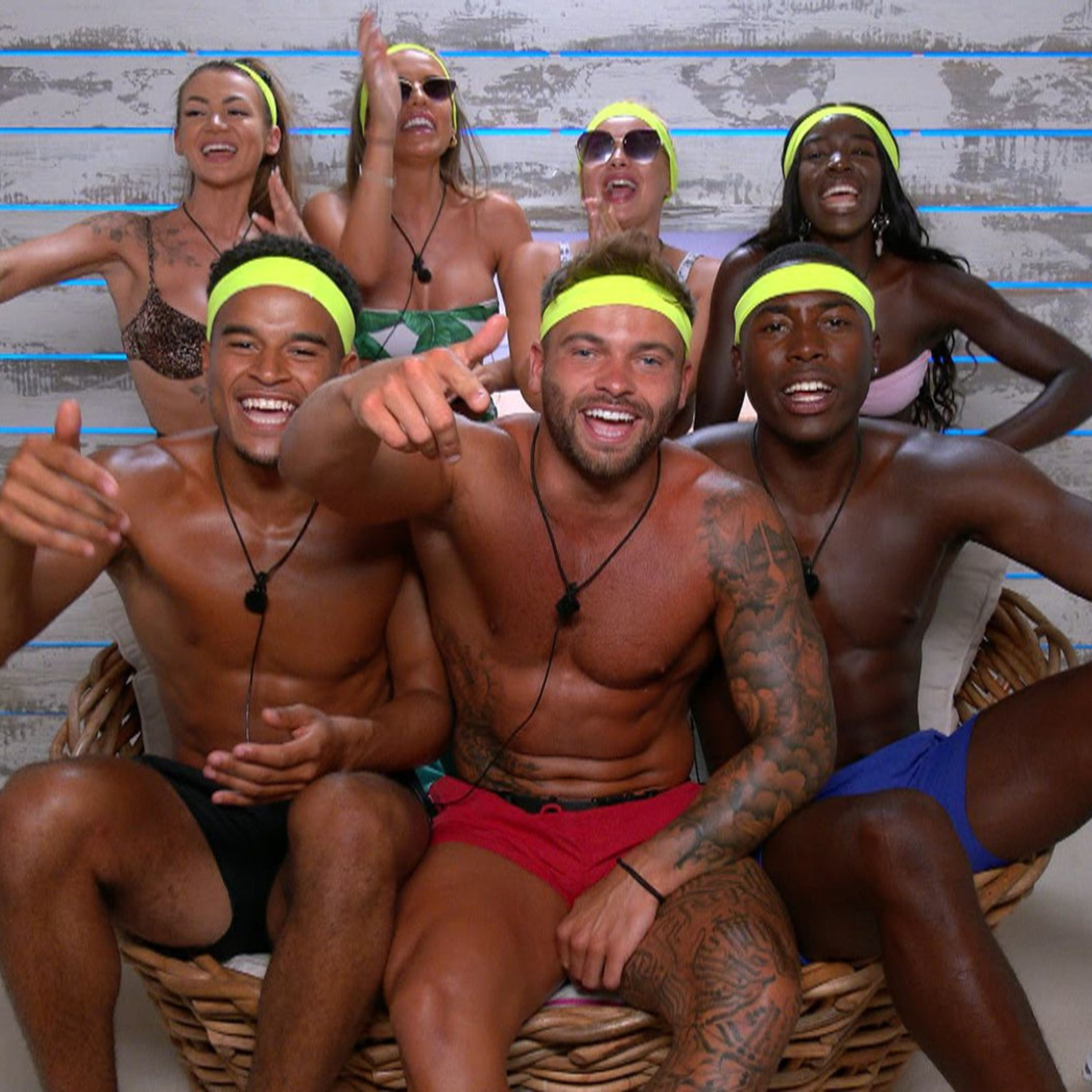 Love Island UK S7E24 - One couple gets voted off