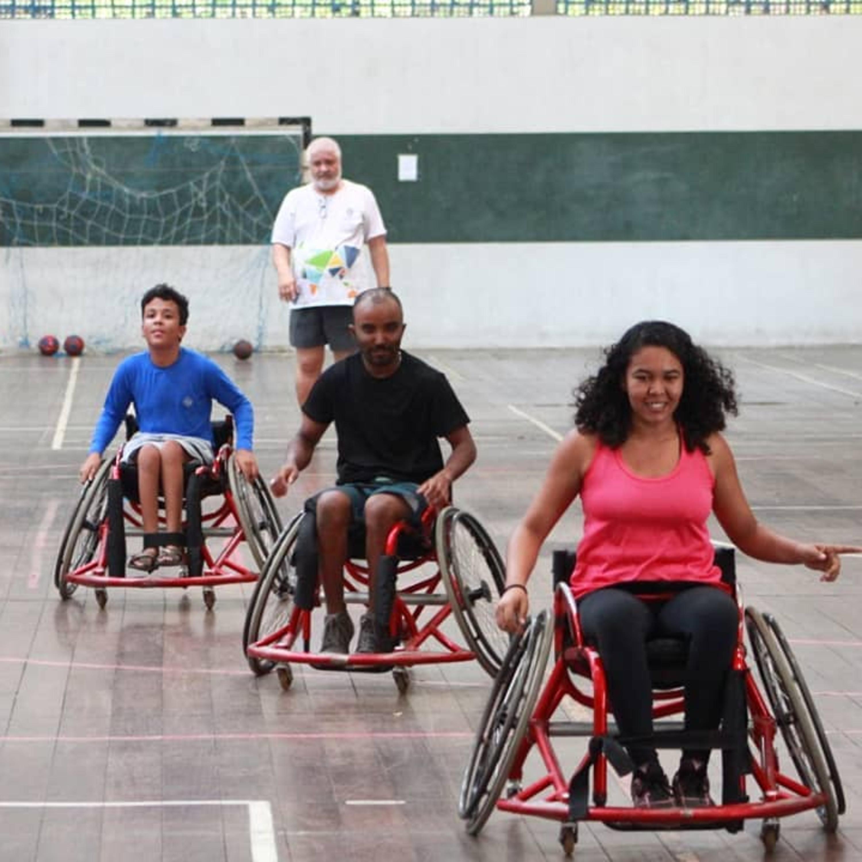 Projeto de extensão da UFS incentiva prática de handebol para cadeirantes