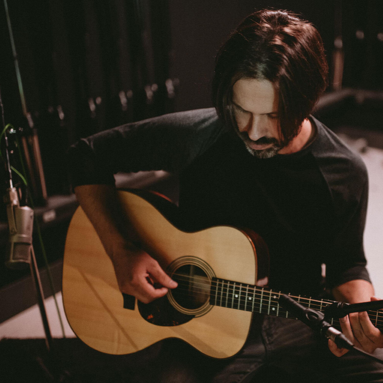 "Daniel Balthasar apresentou, em exclusivo na Radio Latina, ""Somebody's Somebody""."