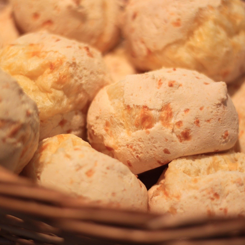 Pão de queijo gigante recheado com goiabada: saiba como preparar!