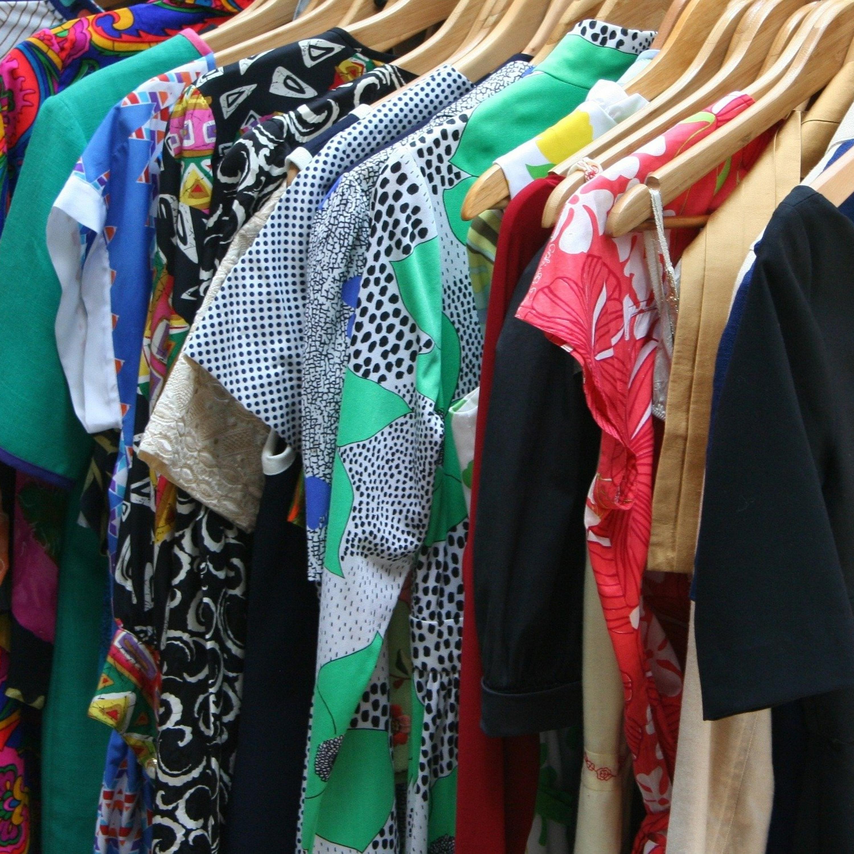 Aprenda a mistura que desamassa roupas sem utilizar o ferro