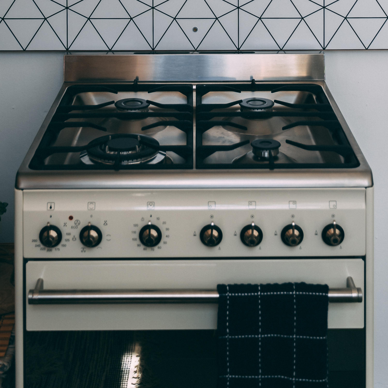Lucy na cozinha: saiba como limpar as trempes do seu fogão