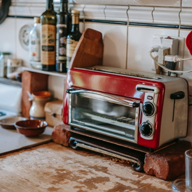 Dica da Lucy: é hora de limpar o forninho elétrico!