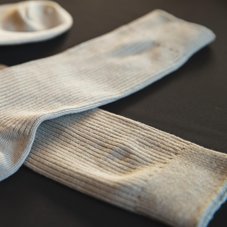 Dicas para volta às aulas: saiba como desencardir as meias
