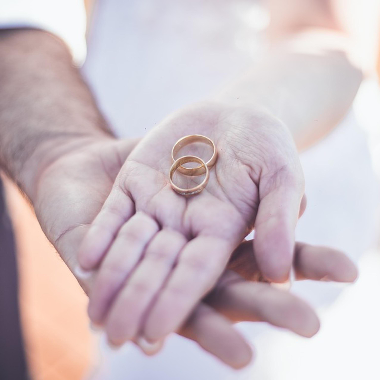 Justiça reconhece união estável paralela a casamento: entenda o caso