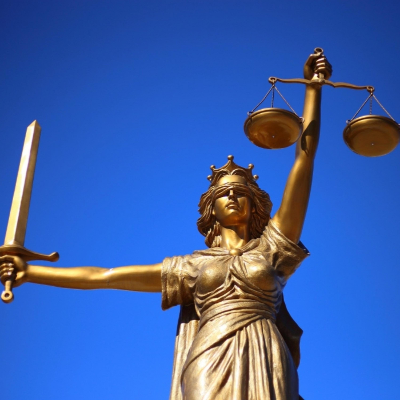 Desembargador que rasgou multa e humilhou guarda sofrerá punição?