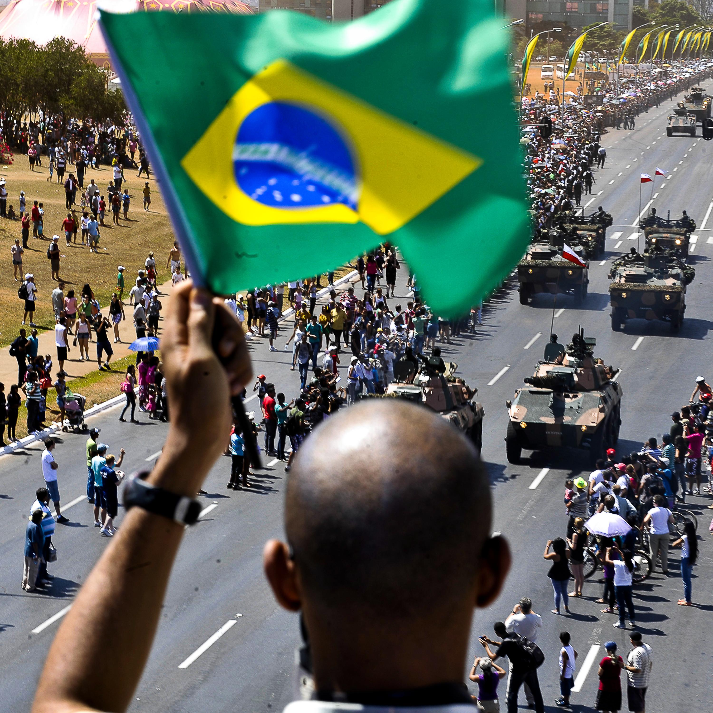 Atos em 7 de setembro podem intensificar crise institucional?
