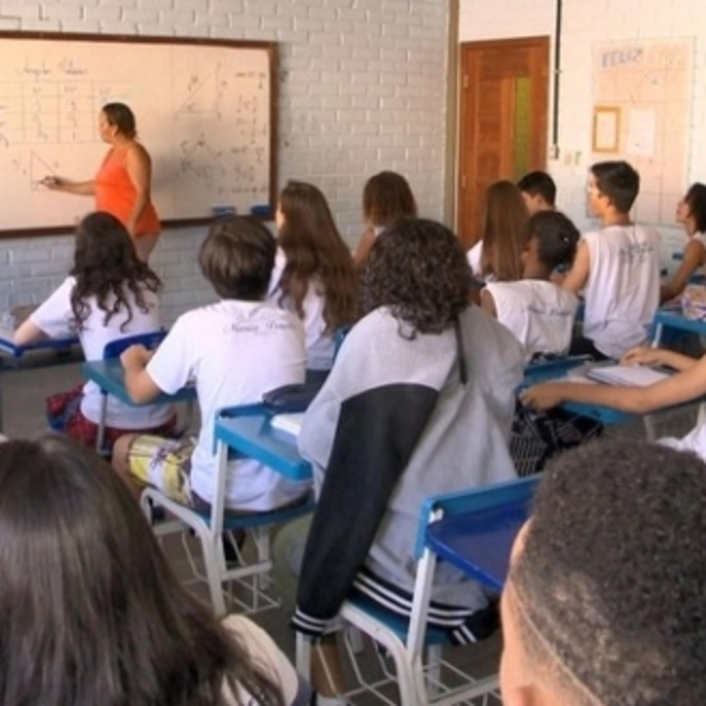 Volta às aulas: Alegria para adolescentes e desafio para crianças