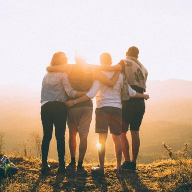 Estudo diz que temos, no máximo, cinco amigos verdadeiros na vida