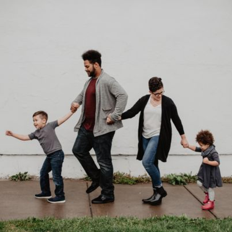 Sem romantizar: as mudanças na vida dos pais com a chegada dos filhos
