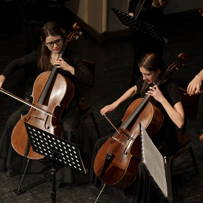 Clássicos CBN embalado no clima da Orquestra de Violoncelos