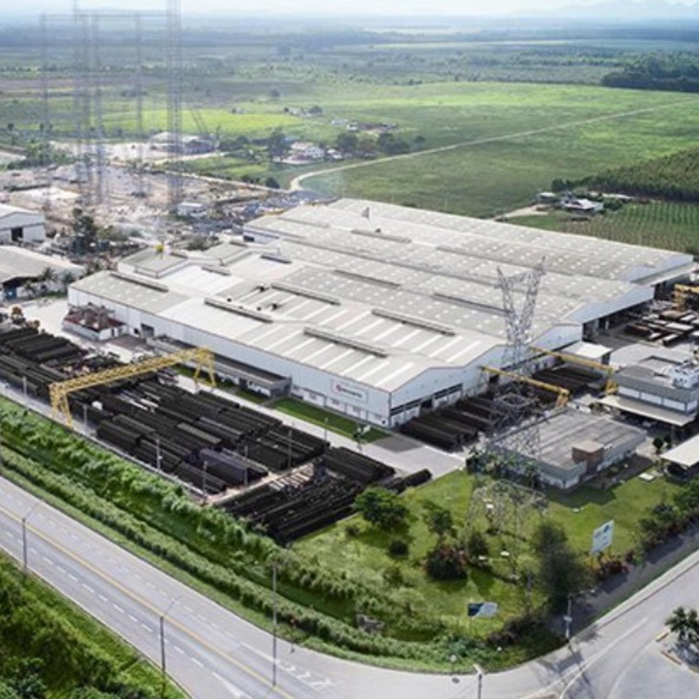 Fábrica possui estação de testes de torres de energia em tamanho real