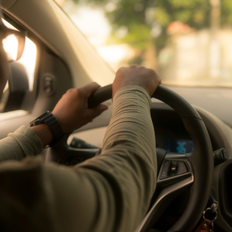 Objeto esquecido no carro de aplicativo: de quem é a responsabilidade