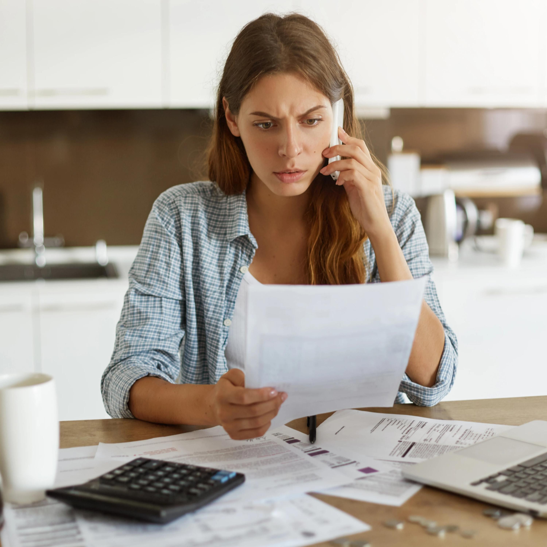 Se deparou com serviço adicional não contratado na conta telefônica? Conheça seus direitos