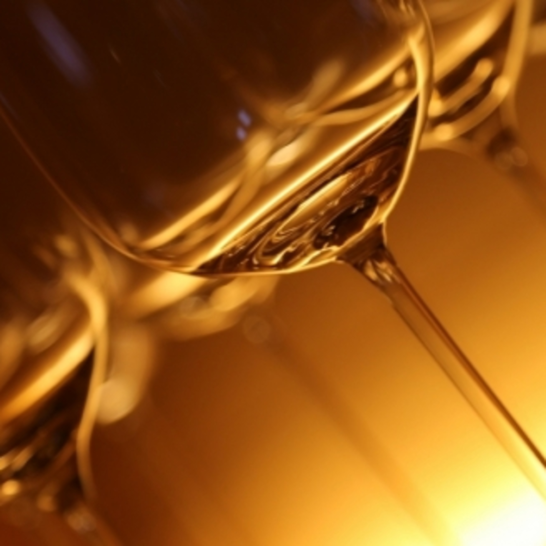 Vinho laranja: conheça detalhes sobre a bebida