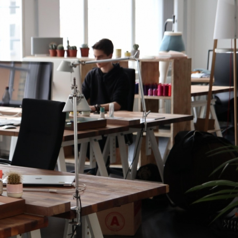 Trabalhar aos domingos e feriados: o que diz a legislação?