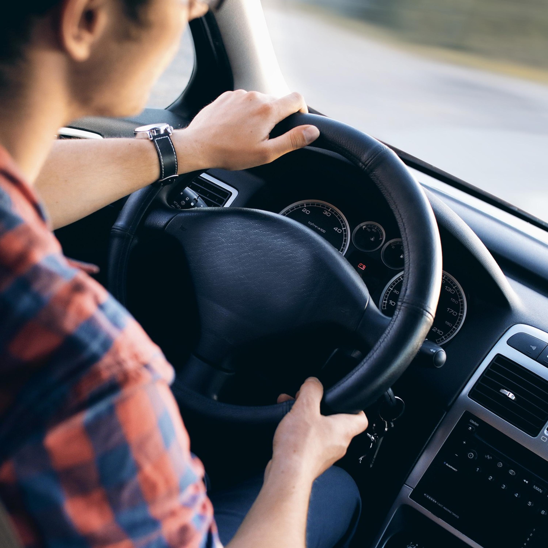 Hábitos no trânsito que rendem multa e você pode desconhecer