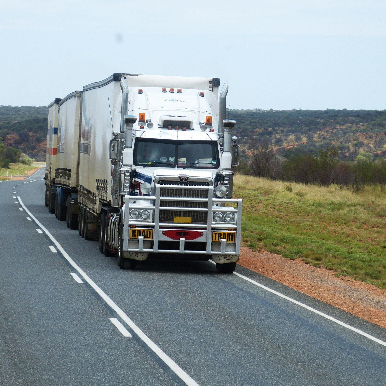 Como está funcionando a circulação de cargas em estradas capixabas