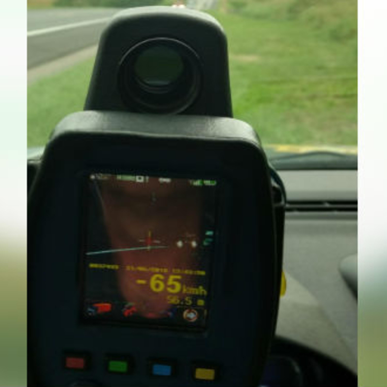 Dirigir em alta velocidade: infração mais comum em 2020
