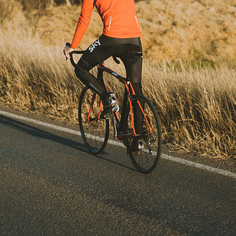 Afinal, bicicletas podem trafegar em rodovias? Fique por dentro da legislação