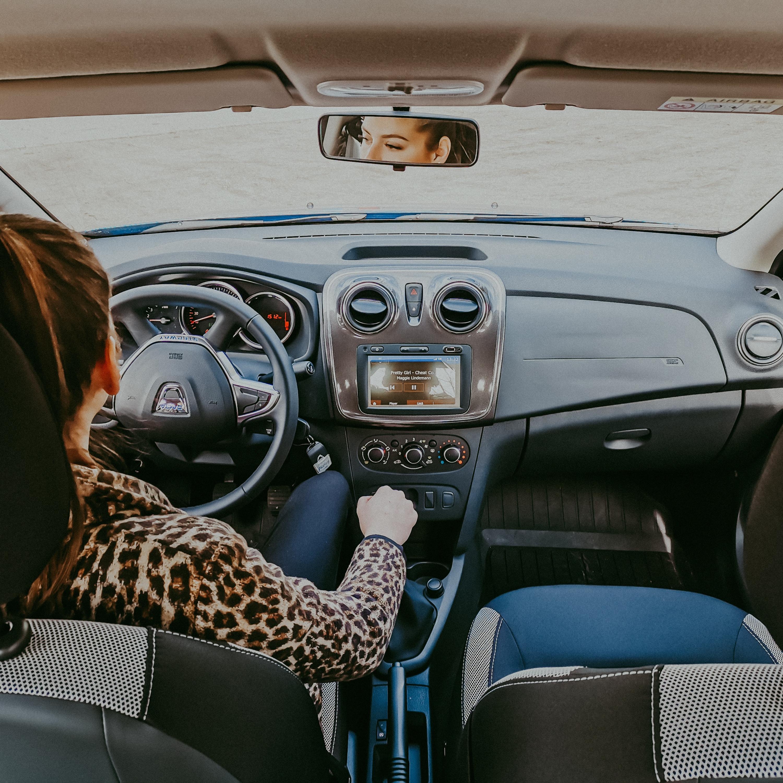 Trânsito: cuidados para as mulheres ficarem menos expostas à ação de bandidos