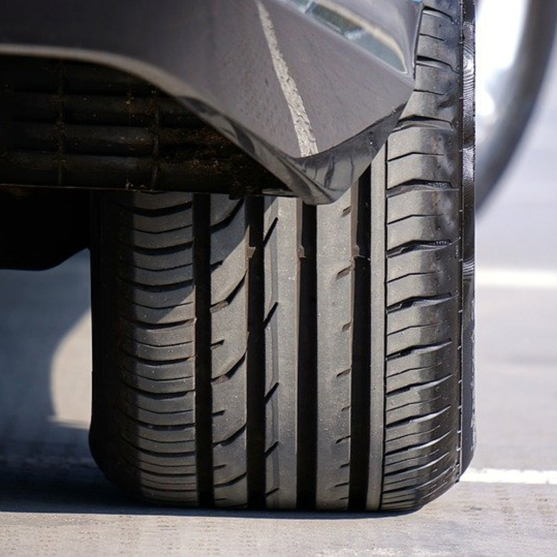 Confira dicas essenciais para trocar seus pneus por novos