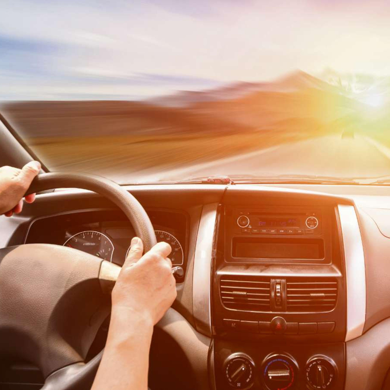 Dirija com segurança: vícios perigosos que você tem com seu carro