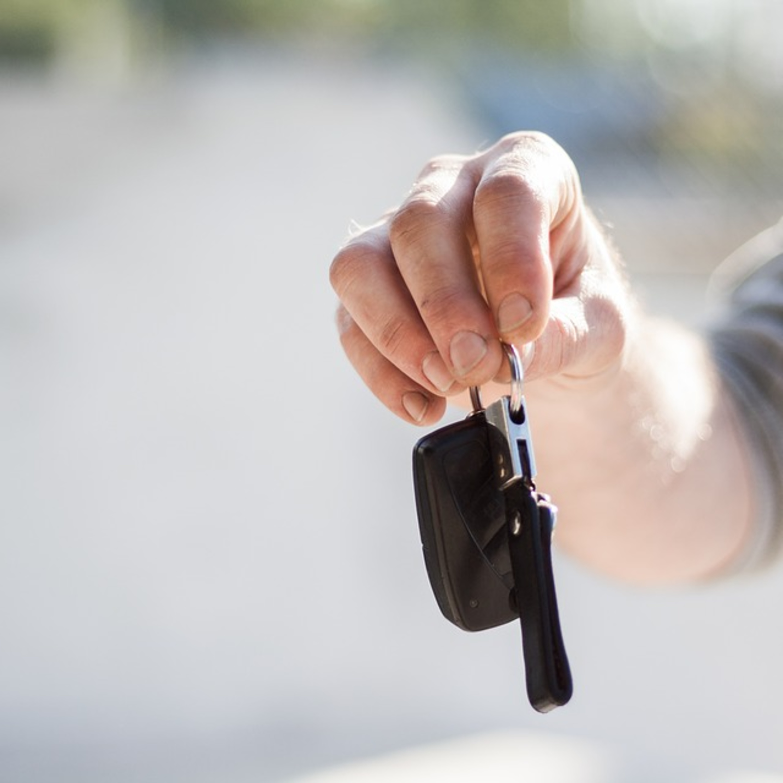 O que observar antes de comprar carro com mais de 10 anos de uso