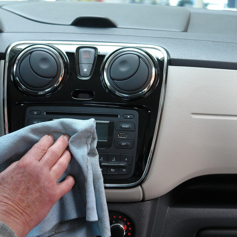 Limpeza com álcool pode prejudicar ou manchar peças do carro?