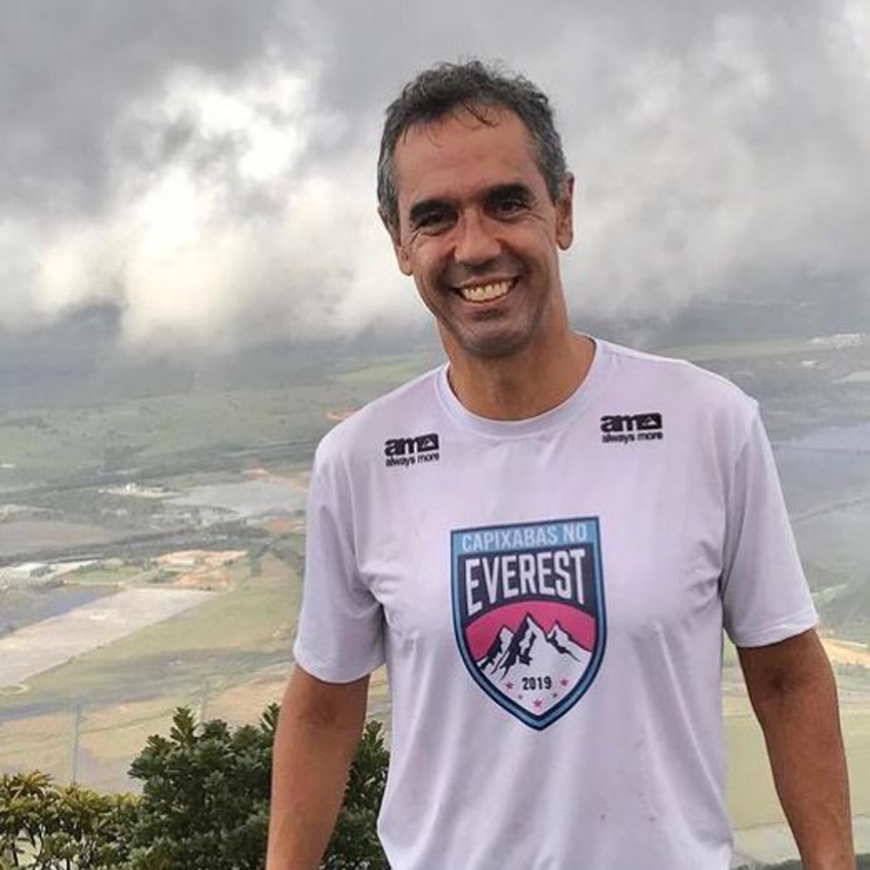 Maratona aquática: Esportista vai dar volta na Ilha de Vitória a nado
