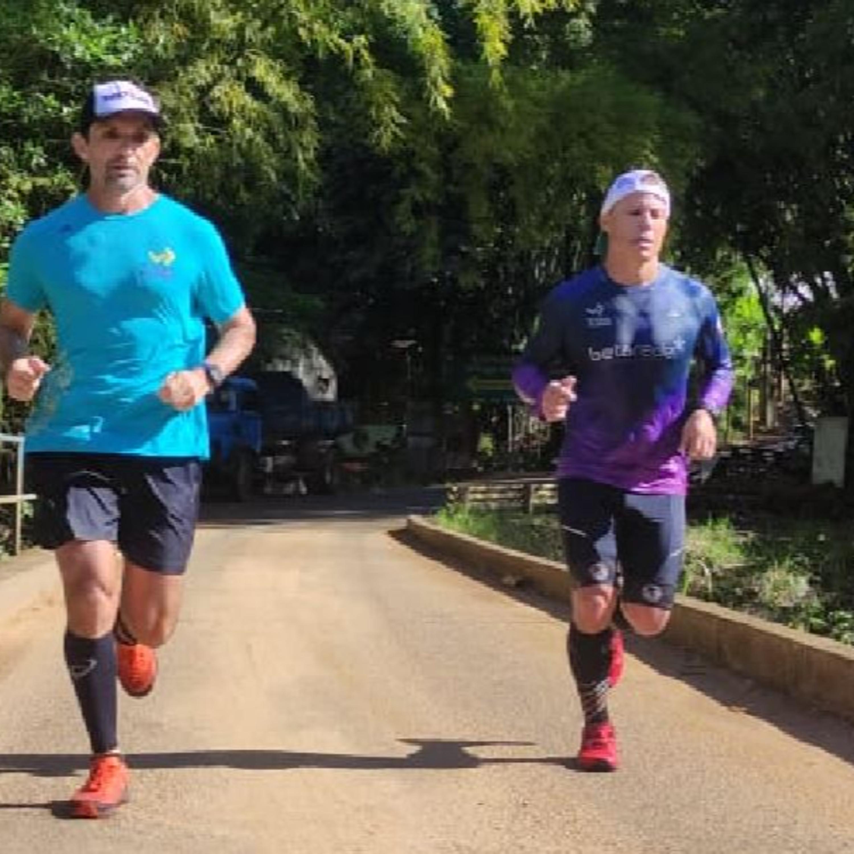 Amigos correm 75 km e arrecadam 1 tonelada de alimentos em desafio