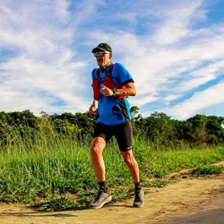 Corra 30 segundos e ande 30 para não perder o fôlego, orienta corredor de morro