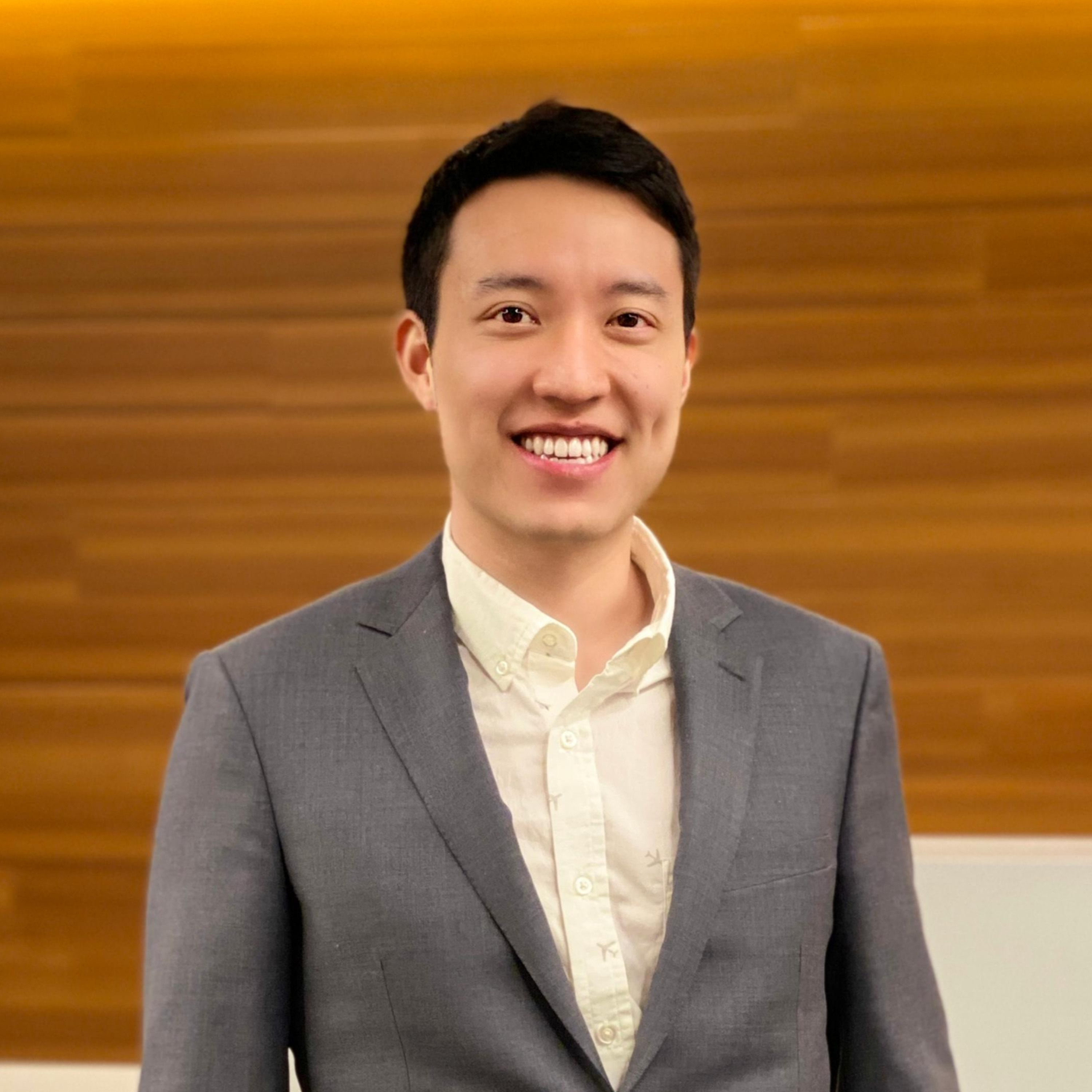 Reaching out to angel investors having a tiny network: recommendations by Chris Lu, angel investor with multiple investments across the US and Canada.