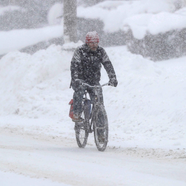 Biciklizés fagyban és az urambátyám büfés néni