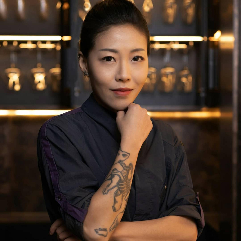 一个亚裔女性是如何成为米其林摘星女主厨的