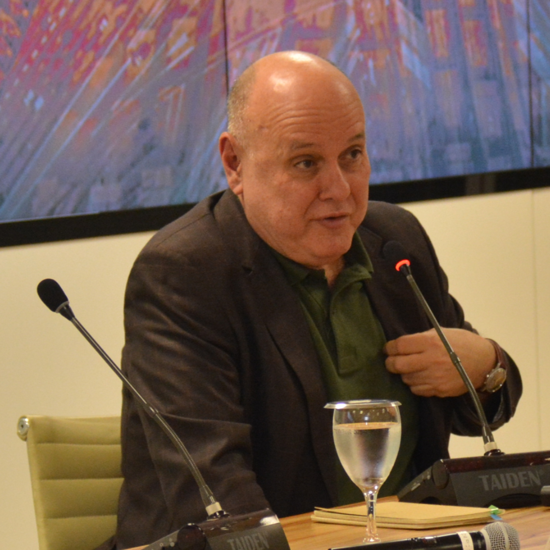 Ciclo Mutações: Palestra Renato Lessa