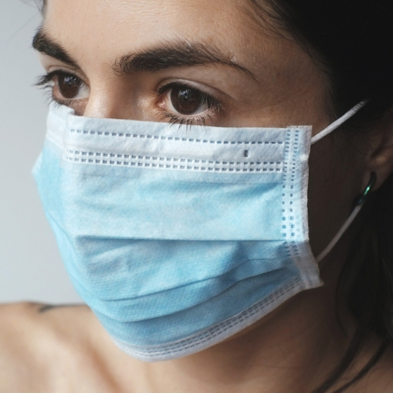 Além de proteger, uso de máscara pode reduzir sintomas da Covid-19