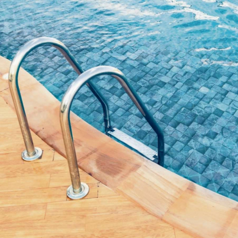 Covid-19: há risco de transmissão de vírus pela água da piscina?